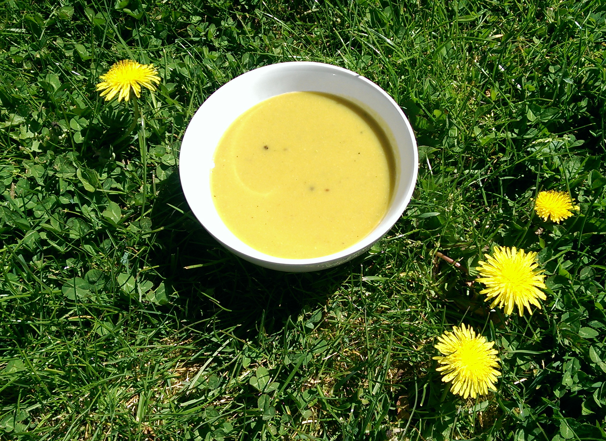 Asparagus and nutmeg soup